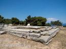 معبد نمسیس از جنوب غربی.